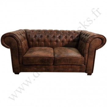 canap chesterfield en cuir vieilli le d p t des docks. Black Bedroom Furniture Sets. Home Design Ideas