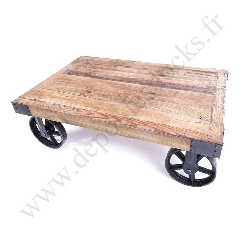 table basse vintage industrielle m tal vieux bois avec roues le d p t des docks. Black Bedroom Furniture Sets. Home Design Ideas