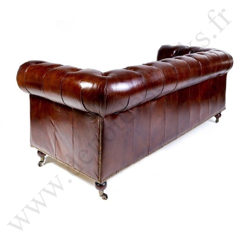 canap chesterfield en cuir vieilli le d p t des docks. Black Bedroom Furniture Sets. Home Design Ideas