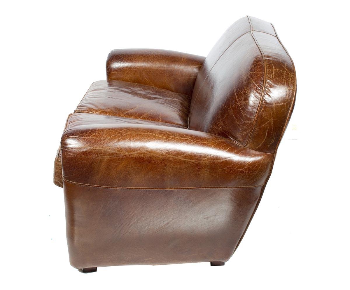 canap le veritable club en cuir vieilli le d p t des docks. Black Bedroom Furniture Sets. Home Design Ideas